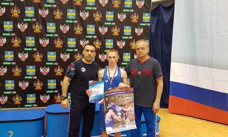 Шахтинец стал серебряным призером на  Первенстве России по боксу