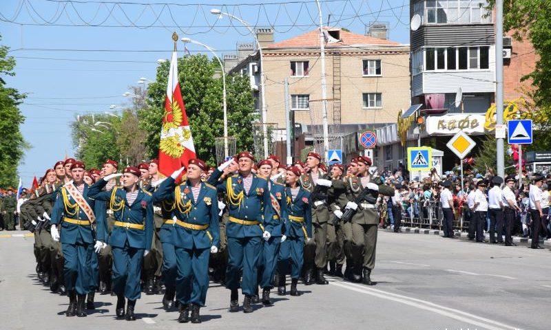 Шахтинцы приняли участие в  параде Победы (ФОТО, ВИДЕО)