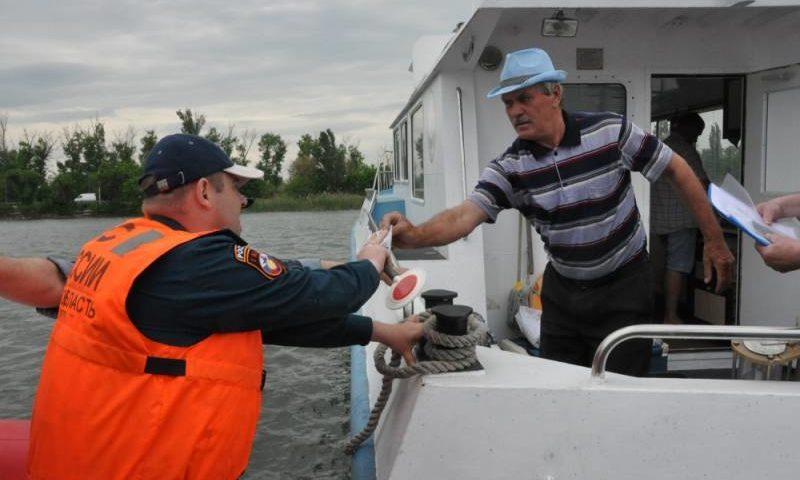 Совместные рейды на донских реках проводят инспекторы ГИМС и сотрудники полиции