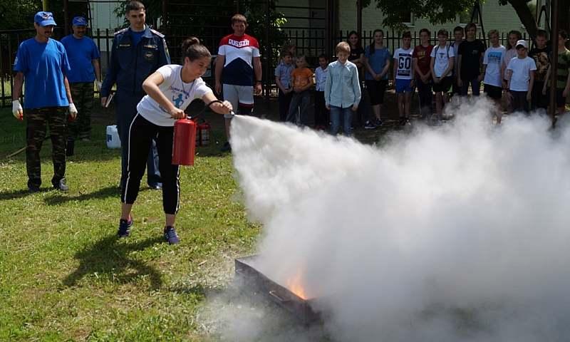 30 тысяч школьников посетили занятия по пожарной безопасности