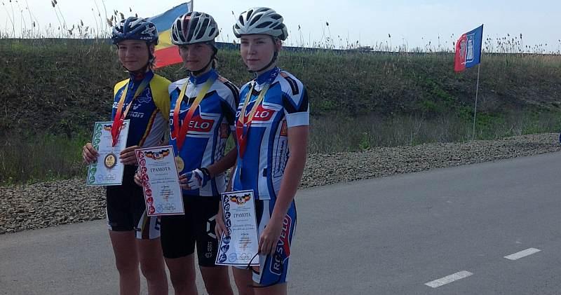 Шахтинские велосипедистки вернулись с победой с Юношеских игр Дона по велоспорту-шоссе