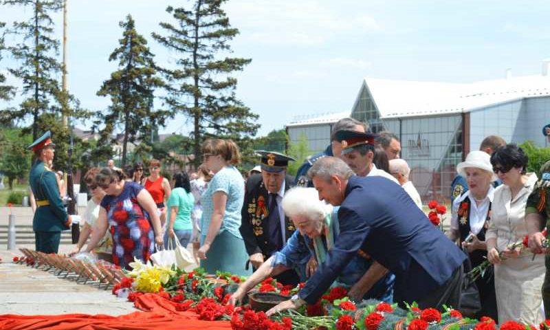 В Александровском парке прошел митинг, посвященный Дню памяти и скорби