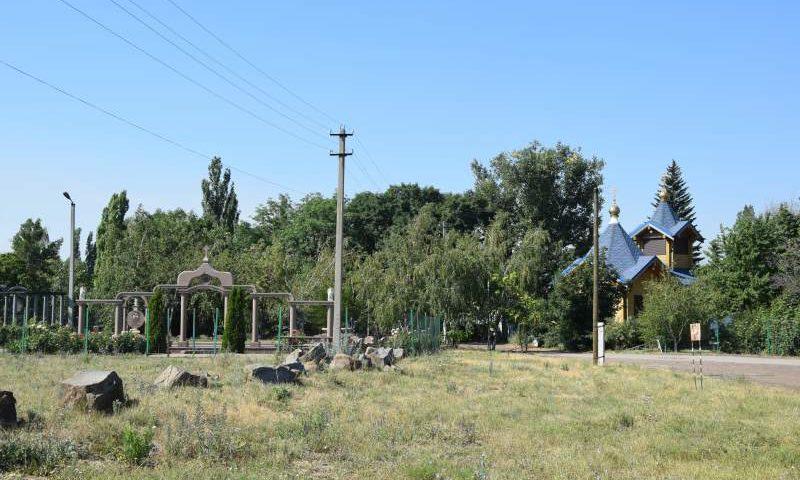 Памятник ветерану войны, пострадавший от возгорания на Центральном кладбище в Шахтах, будет восстановлен до 1 ноября