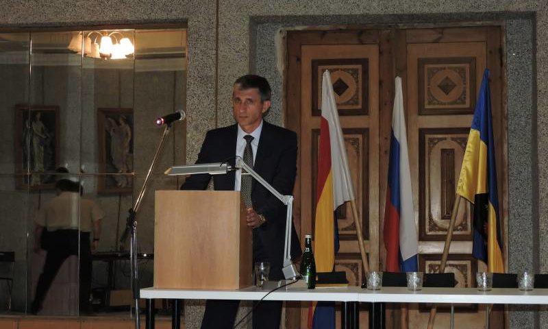 В поселке Майский прошла информационная встреча представителей администрации г. Шахты с населением поселка