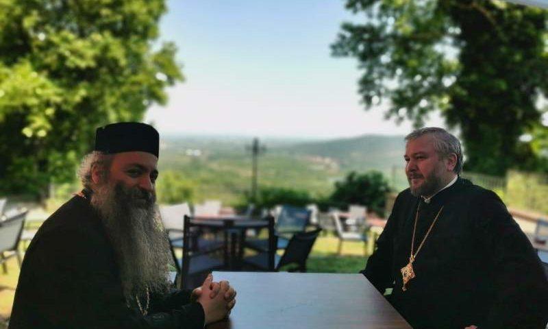 Пребывая в Греции, епископ Симон провел встречу с митрополитом Иоилем