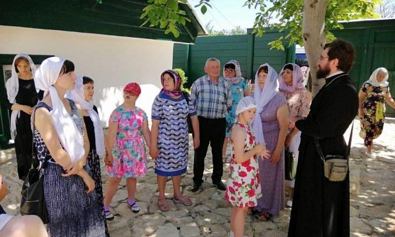 Дети с ОВЗ из семейного клуба «Вместе» г. Шахты побывали в благотворительной поездке