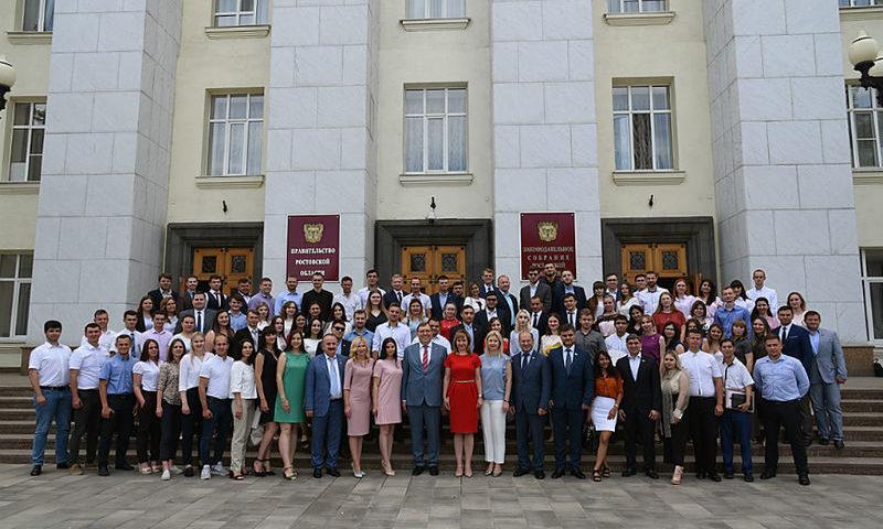 Шахтинцы приняли участие в первом заседании Молодежного парламента пятого созыва при ЗСРО