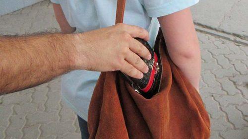 В Шахтах задержан таксист, укравший  деньги из кошелька пассажира
