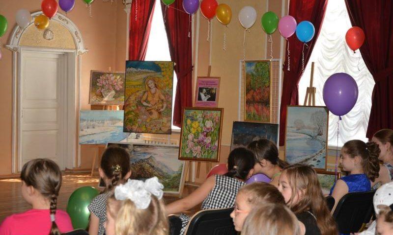 В рамках 75-летия ГДДТ г.Шахты прошел праздник творческих объединений художественно-эстетического отдела