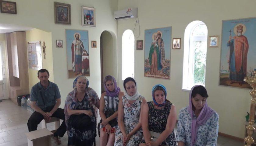 Иерей Сергий Болоцков провел встречу с прихожанами храма праведного Иосифа Обручника г. Шахты