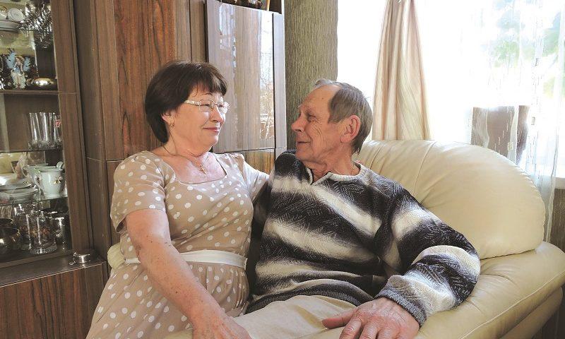Владимир и Светлана Жемойтель отмечают  золотую свадьбу