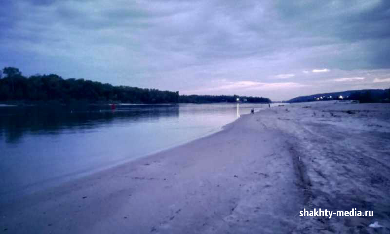 На реке Дон спасли компанию отдыхающих из города Шахты