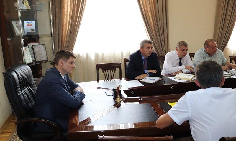 Глава администрации провел рабочее совещание по вопросу ремонта автодороги по улице Ведомственная