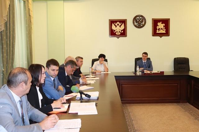 Глава администрации г.Шахты провел планерное совещание по актуальным вопросам муниципалитета