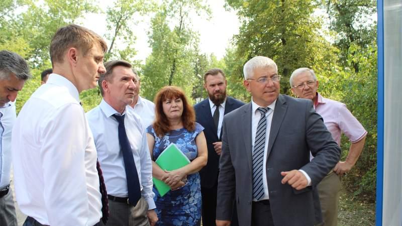 Первый заместитель губернатора Ростовской области Игорь Гуськов посетил с рабочим визитом город Шахты