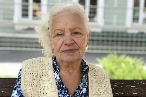 Валентина БОБРОВА, пенсионерка: