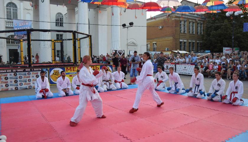 Вечер боевых искусств собрал много зрителей