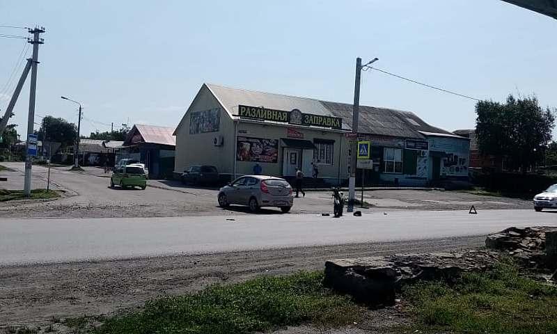 В Шахтах водитель мопеда госпитализирован после столкновения с автомобилем «Хендэ Солярис»