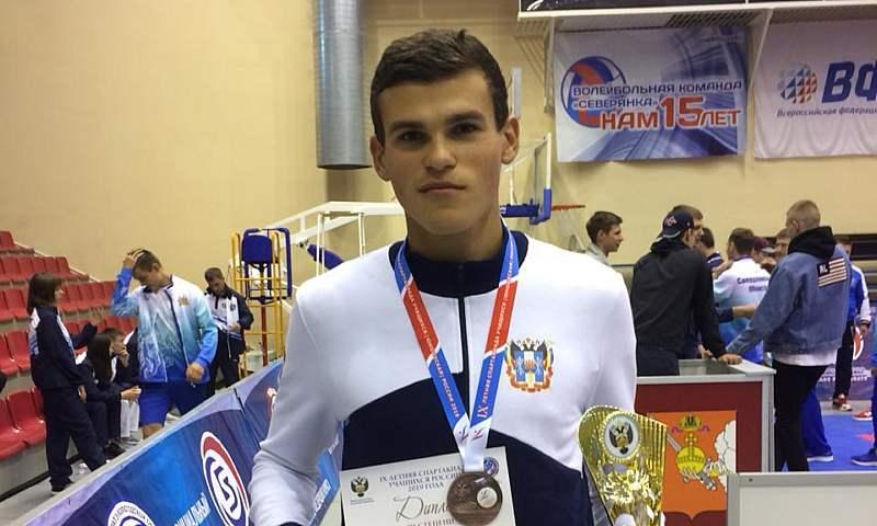 Шахтинец Игорь Жданов стал призером всероссийской Спартакиады учащихся по каратэ