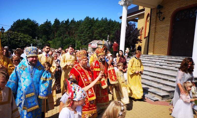 Епископ Шахтинский и Миллеровский Симон  принимает участие в церковных торжествах в Польше