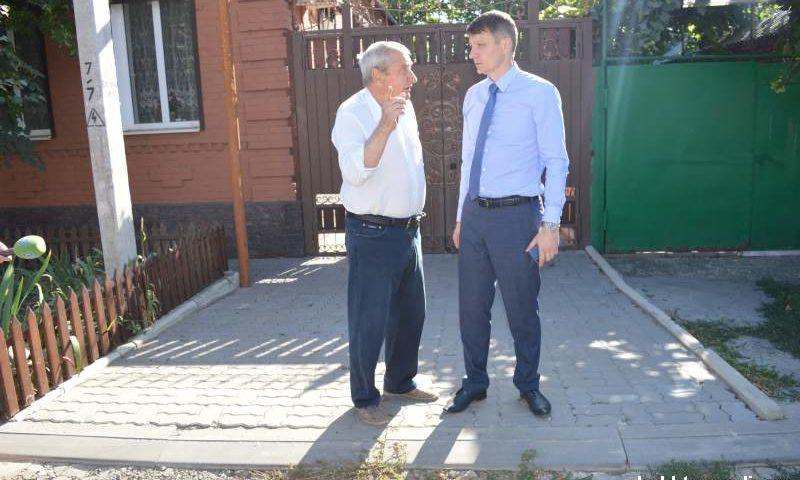 Глава администрации г.Шахты провел встречу по вопросу реконструкции улицы Дзержинского