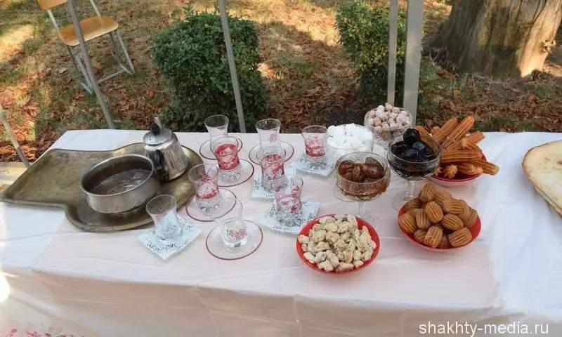 Руководители диаспор рассказывают о своем участии в выставке национальных кухонь  в День города Шахты