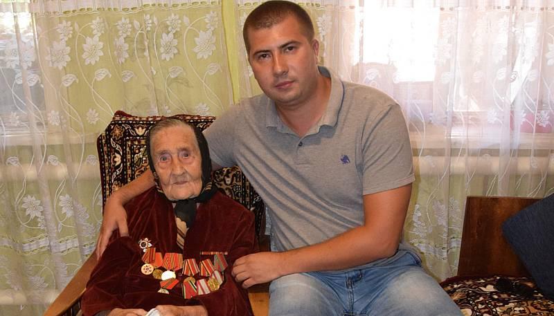 Ветеран Великой Отечественной войны поблагодарила главу администрации  г. Шахты за помощь в решении жилищного вопроса