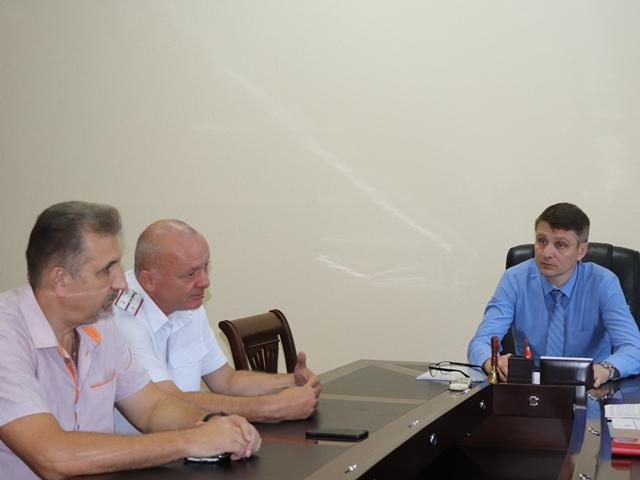 Глава администрации г. Шахты Андрей Ковалев встретился с представителями казачества