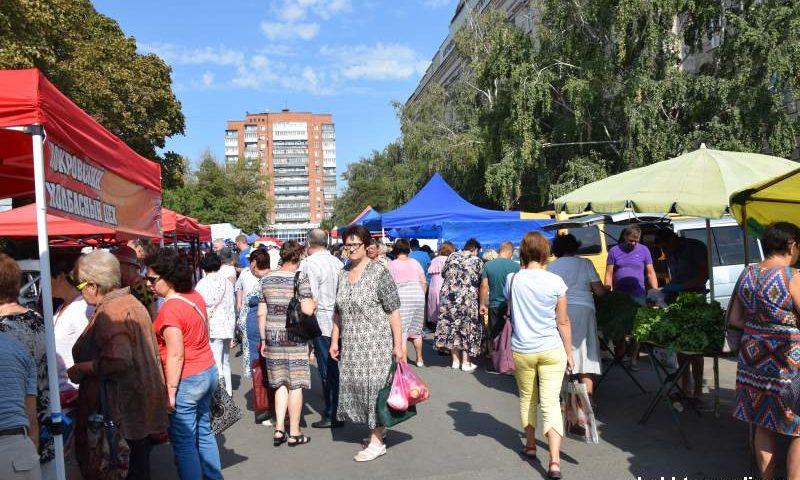 На площади им. Ленина г.Шахты развернулась сельскохозяйственная ярмарка