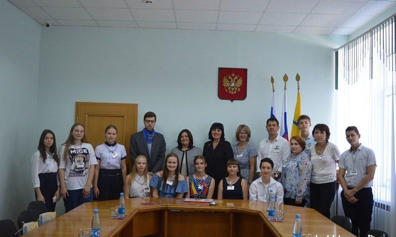 Город Шахты посетила делегация школьников из Германии