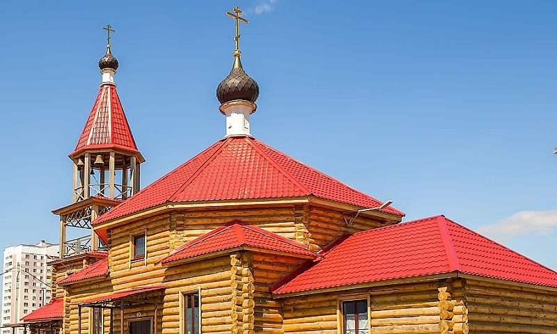 Епископ Симон совершил Божественную Литургию в храме в честь мучеников Адриана и Наталии города Пензы