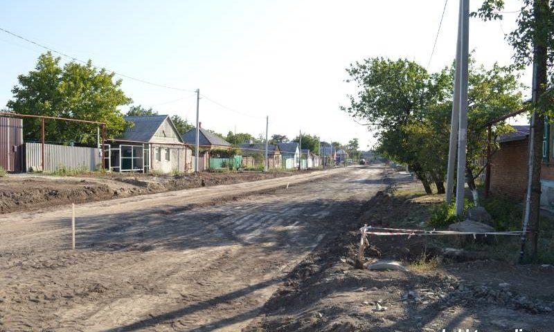 В Шахтах ведется капитальный ремонт переулка Плеханова