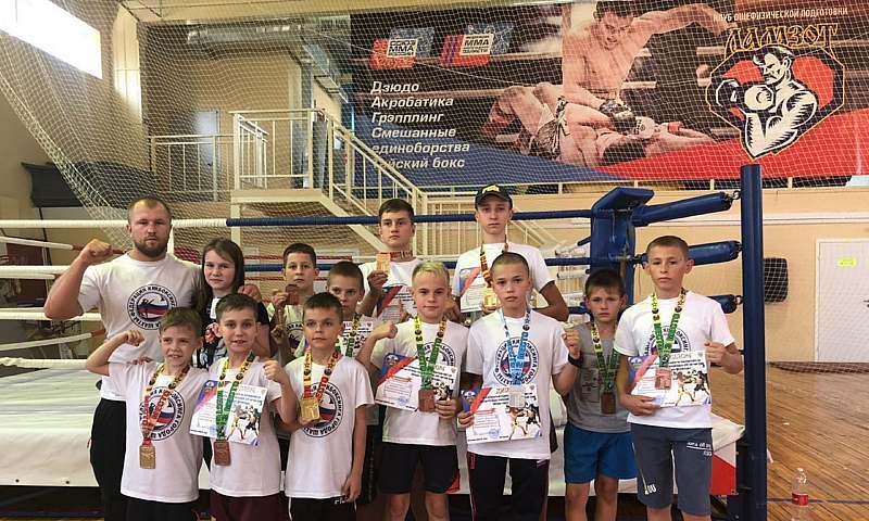 Шахтинские кикбоксеры завоевали 13 наград  на турнире в Волгограде