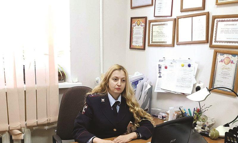 Елена Агупова 16 лет работает психологом в шахтинской полиции