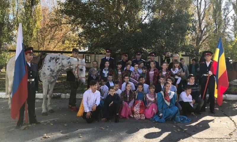 В школе №23 города Шахты прошло торжественное посвящение в казаки учеников 5-го класса