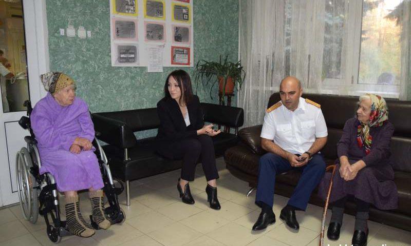 Сотрудники  следственного отдела по городу Шахты навестили подопечных пансионата для престарелых