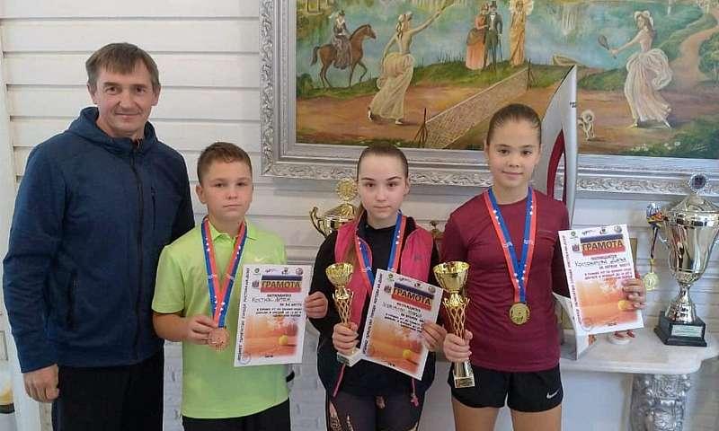 Шахтинские теннисисты привезли «золото» и «бронзу» из Ростова