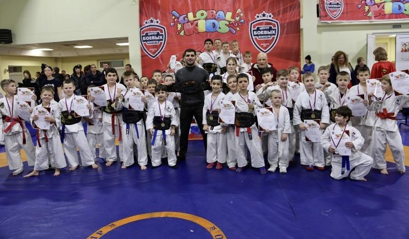 Шахтинцы завоевали 16 золотых медалей по рукопашному бою