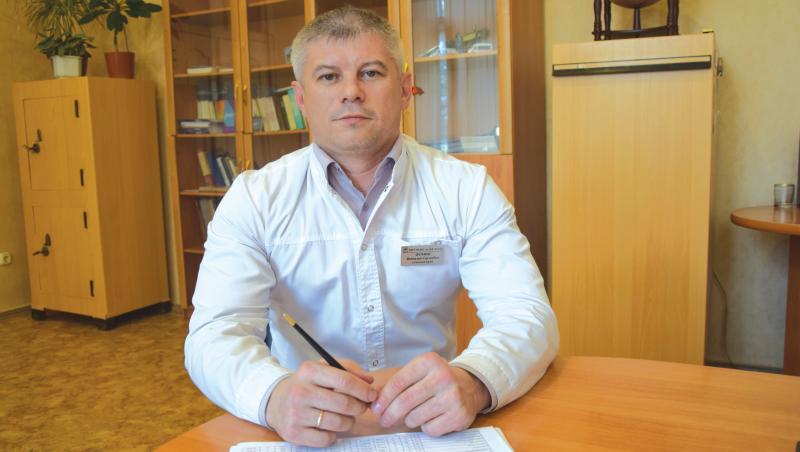 О зарплате, новой лаборатории, введении пропускного режима рассказал главврач БСМП Виталий Фомин