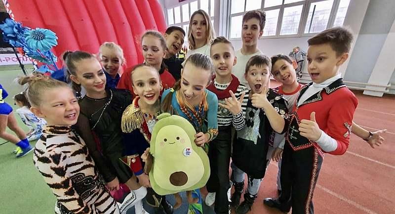 21 медаль завоевали воспитанники центра «Алиса» на соревнованиях по акробатическому рок-н-роллу и буги-вуги «Высшая лига»