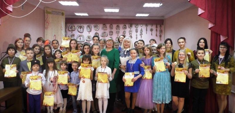 В Школе искусств г. Шахты прошел фестиваль патриотической песни