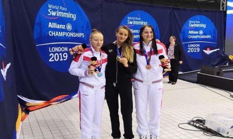 Шахтинка Дарья Лукьяненко взяла золото чемпионата России по плаванию среди слепых