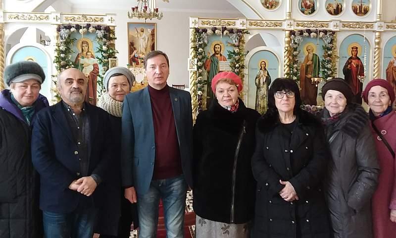 Епархиальный древлехранитель провел экскурсию по храмам города Шахты для паломнической группы из Ростова-на-Дону