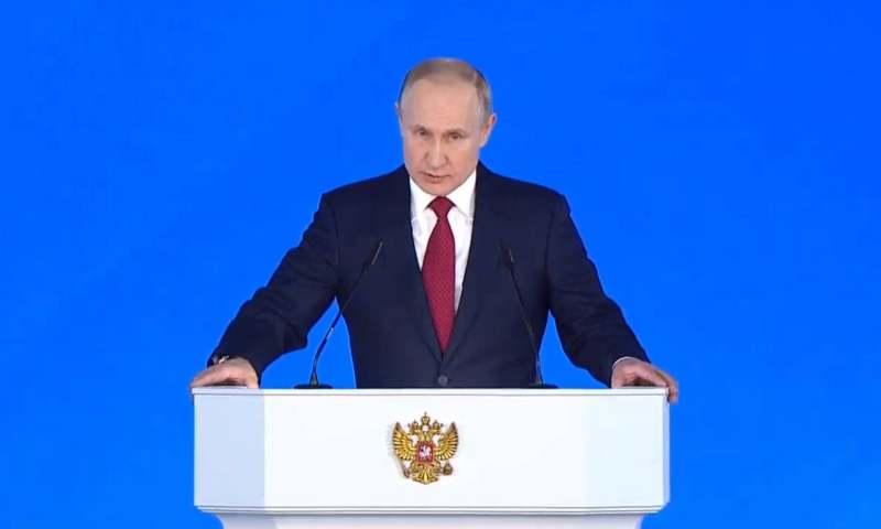 Нерабочие дни в России продлены до 30 апреля