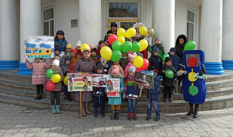 Ребята из детского сада «Тополек» за жизнь по правилам