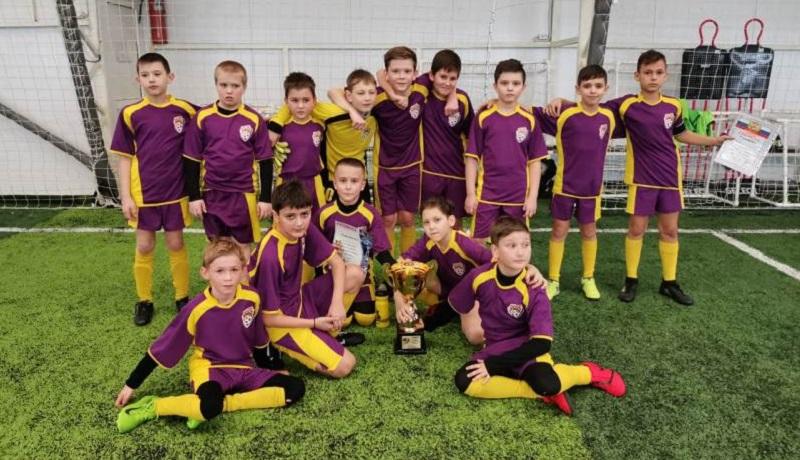 Шахтинские футболисты заняли второе место в первенстве Каменского района