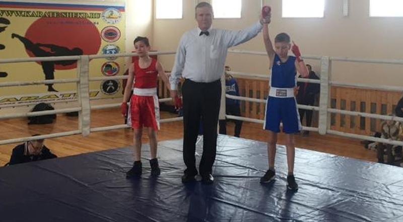 Шахтинцы завоевали 16 медалей на городском первенстве по боксу