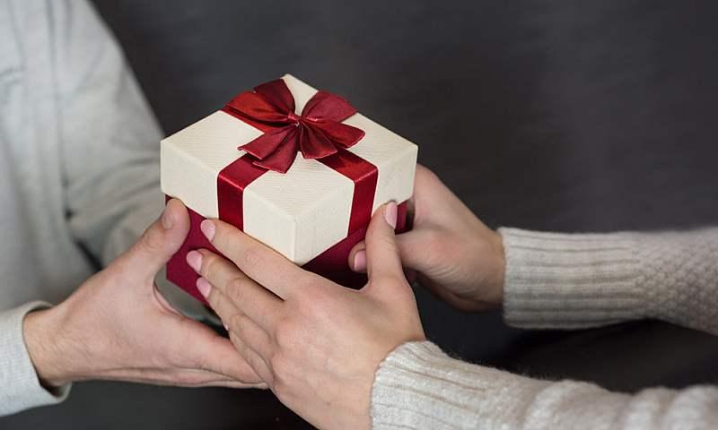Шахтинки рассказали, что бы они хотели получить в подарок на 8 Марта