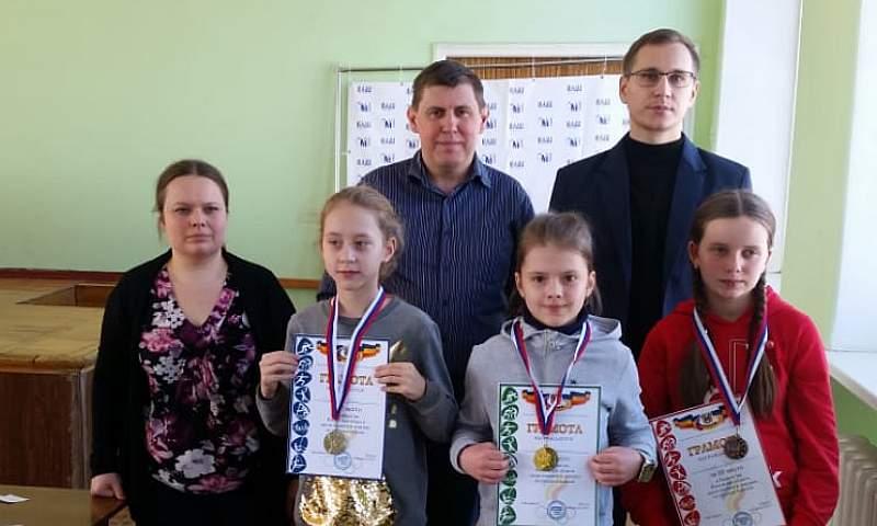 Победителями первенства Ростовской области по шашкам стали шахтинские ребята