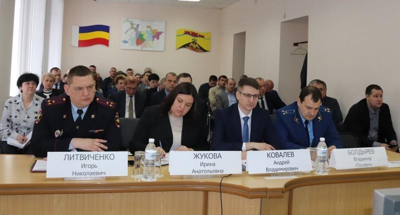 Глава администрации г.Шахты Андрей Ковалев принял участие в планерном совещании